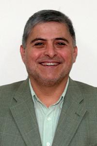 <center>Daniel González</center>